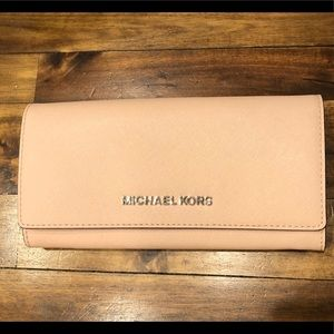 Michael Kors Blush large wallet